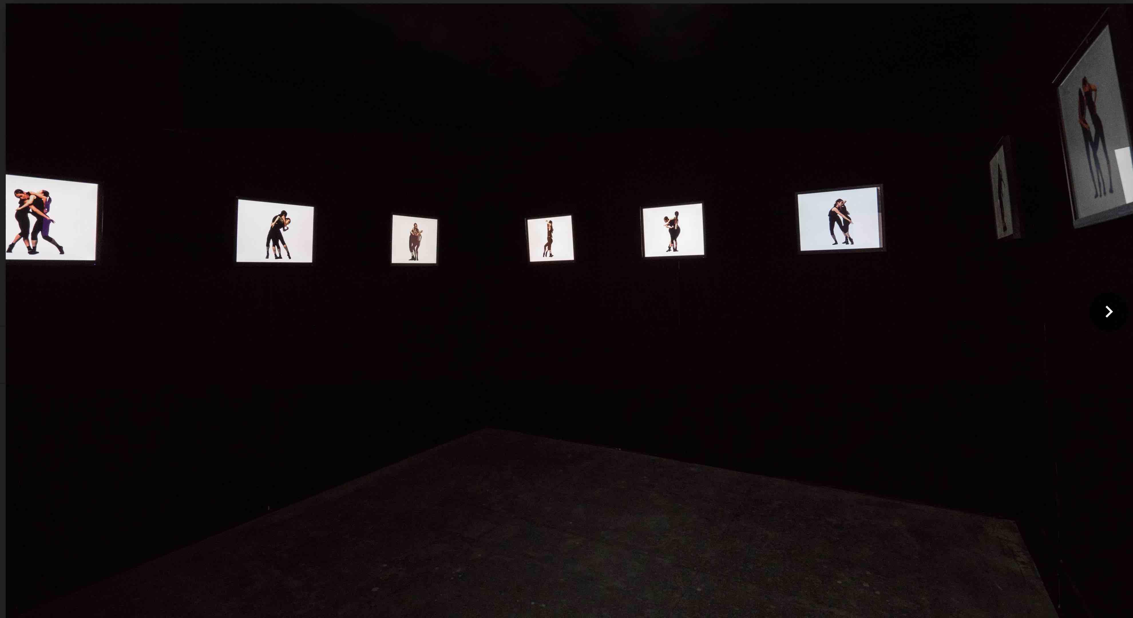 Image ti《自由步-聽身變位》,2017年,錄像裝置。(編舞:蘇威嘉;影像:張君懿;聲音:Yannick Dauby)tle